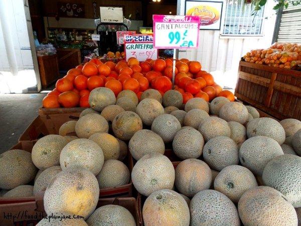 fruits-cantelope-grapefruit
