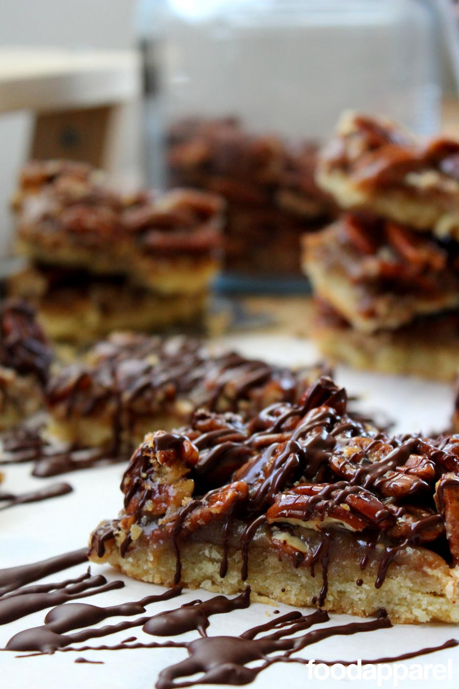 Chocolate Drizzled Pecan Pie Bars: Gourmet Style