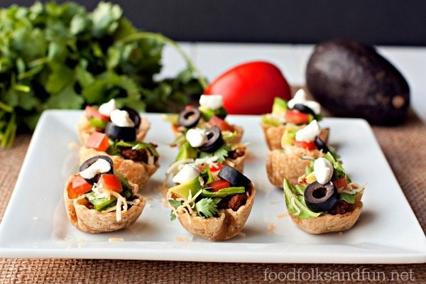 Taco Salad Mini Bites - a heathy hot sauce recipe - Food Folks and Fun