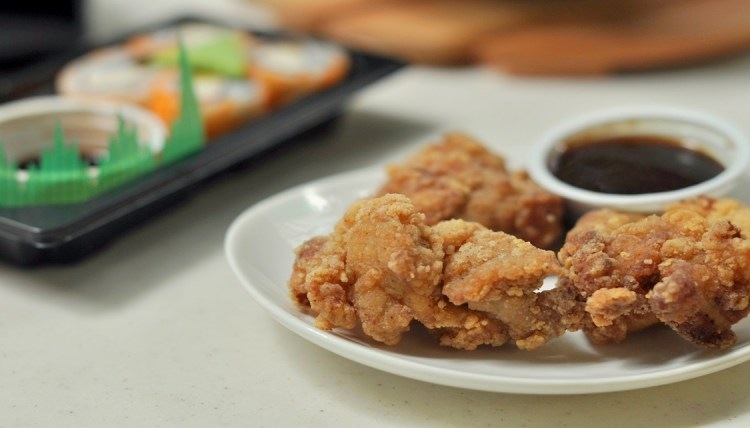 """img src=""""tokyo tokyo chicken.jpg"""" alt=""""Chicken Karaage"""""""