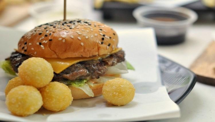 """img src=""""Wagyu1.JPG"""" alt=""""Wagyu Burger"""""""