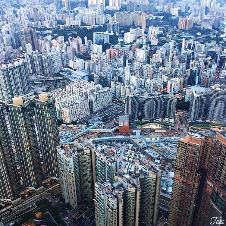 "img src=""hkg8.jpg"" alt=""Hong Kong"""
