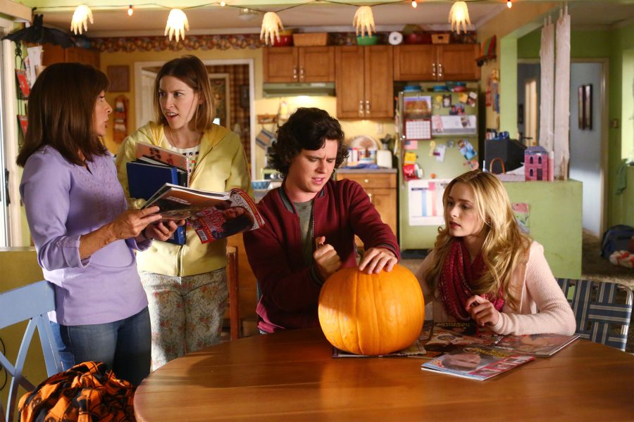 """THE MIDDLE - """"Halloween VII: The Heckoning"""" (ABC/Michael Ansell) PATRICIA HEATON, EDEN SHER, CHARLIE MCDERMOTT, GREER GRAMMER"""