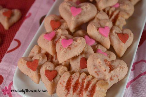 strawberry-valentine-spritz-cookies