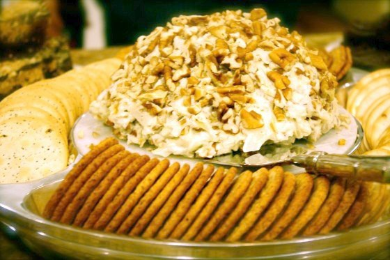 My Grandmother's Cheese Ball hor d'oeuvres