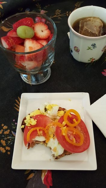 shirley-bovshow-diet-breakfast-hard-boiled-egg-whole-grain-toast-tomato-foodie-gardener