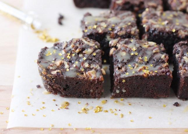 Chocolate, Pecan and Caramel Brownies // FoodNouveau.com