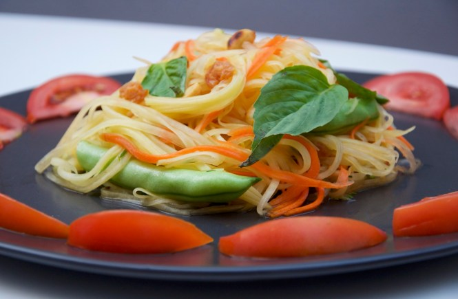 _green-papaya-salad0524