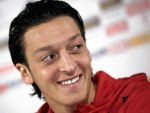 Arsenal's Mesut Özil answered questions via the #AskOzil hashtag on Twitter