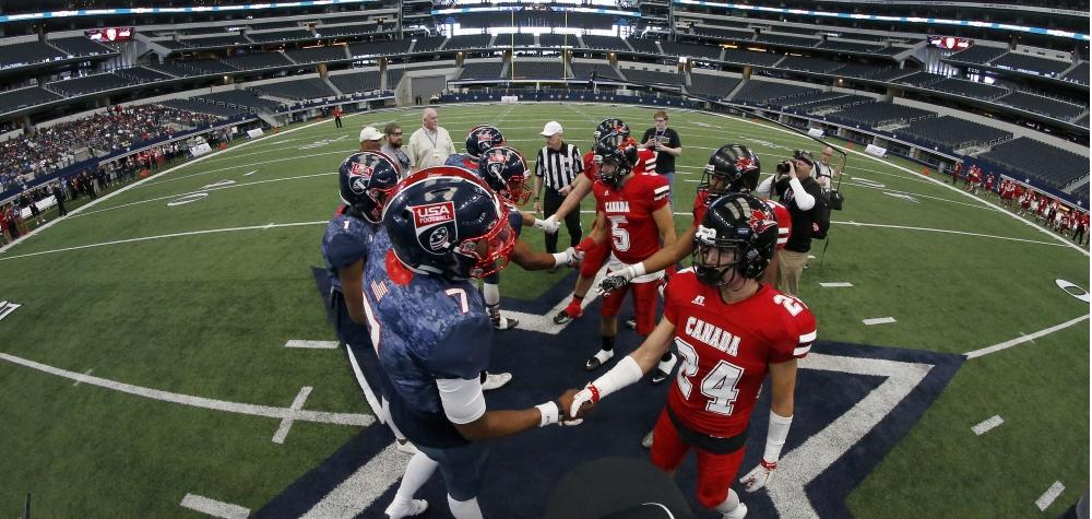 IB2016 U19 handshake Cowboy Stadium
