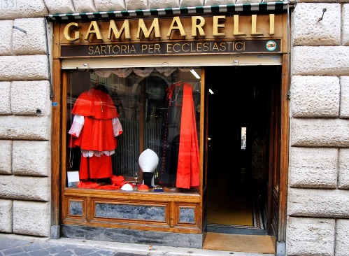 trajes eclesiasticos en sastreria para curas en roma