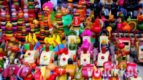 Shining Little Channapatna Lacquer Toys and Dolls!