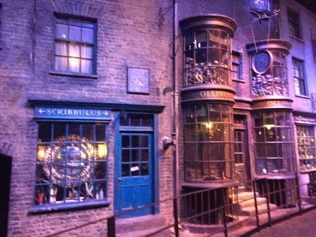 Diagon Alley_Studio Tour3.jpg