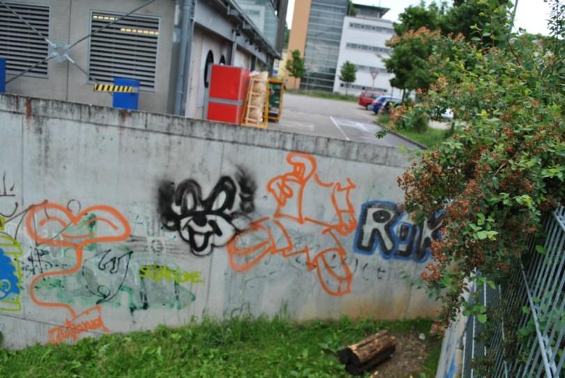 Freiburg graffiti 08.06.12 fragment de mur (3)