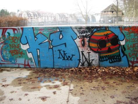 besancon 23.12.12 Fucking colors_graffiti (1)