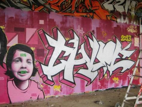 besancon - graffiti - mars 2013 - lil chicas girls (2)