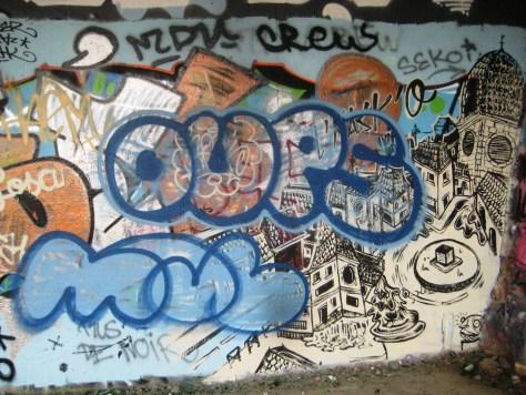 Oups, Mol - graff - besak, 08.2013