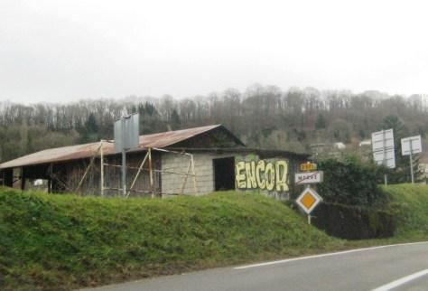 Enkor, graffiti, Morre, doubs, dec 2013