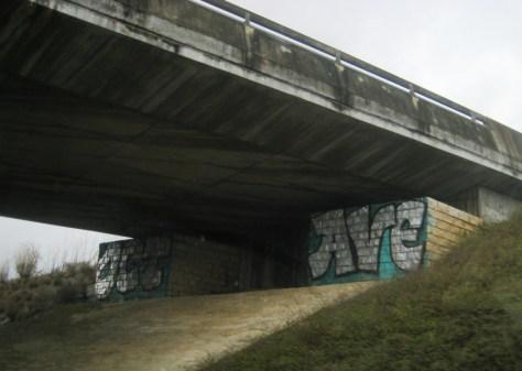 Octave, graffiti, doubs, dec 2013