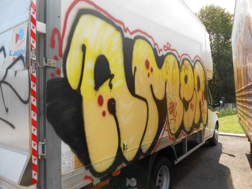 Amer_graffiti_besancon_camion_07.2014