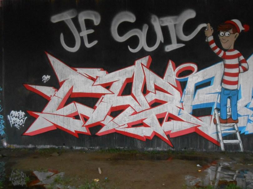 janvier 2015 - graffiti - besancon -Charlie by Nacle (2)