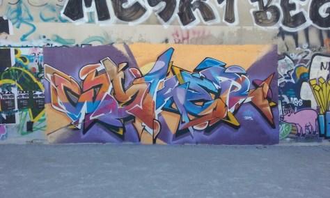 Wyker - graffiti -besancon 08.2015  (2)