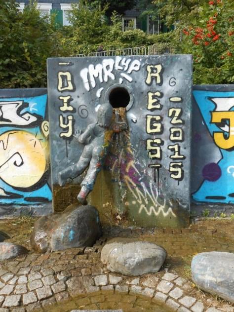 haus der jugend wupperal elberfeld - graffiti sept 2015 (33)