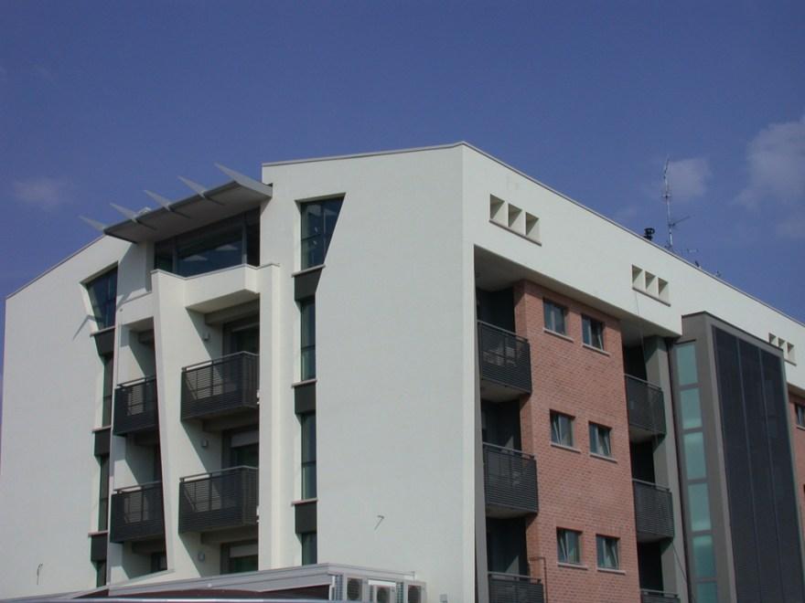 Montecanale3_building02
