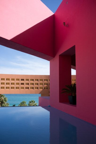 Soothing colors at the Westin Los Cabos.