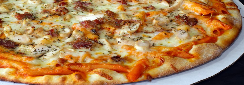 Adult Mac & Cheese Pizza