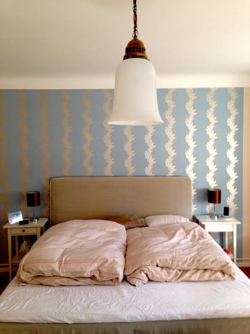 Wanddekoration schlafzimmer  Pimp my Schlafzimmer: Wanddekoration mit Tapete - Der Mamablog mit ...