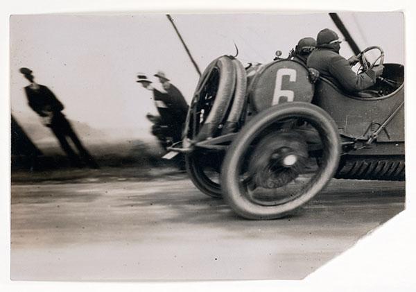 Grand Prix of the Automobile Club of France, 1911, photo by Jacques Henri Lartigue