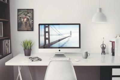 "Free iMac 5K Retina 27"" Office – PSD Mockup"
