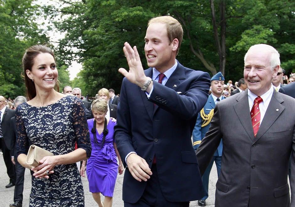 Первый официальный тур принца Уильяма и Кэтрин