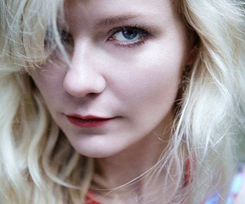 Kirsten-Dunst-by-Yelena-Yemchuk-for-Vogue-Italia-February-2012-09