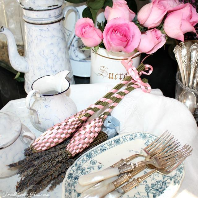 history of lavender fuseau de lavande. Black Bedroom Furniture Sets. Home Design Ideas