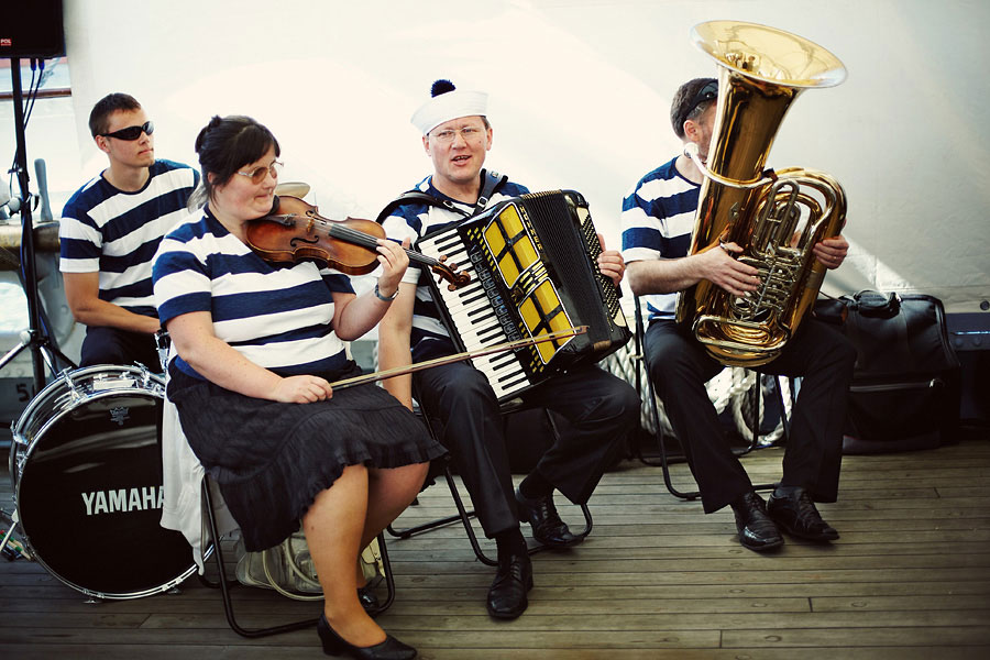 Wozaczinski Dagmara+Maciek 15 Married on a Boat in a Beautiful Sailor Outfit
