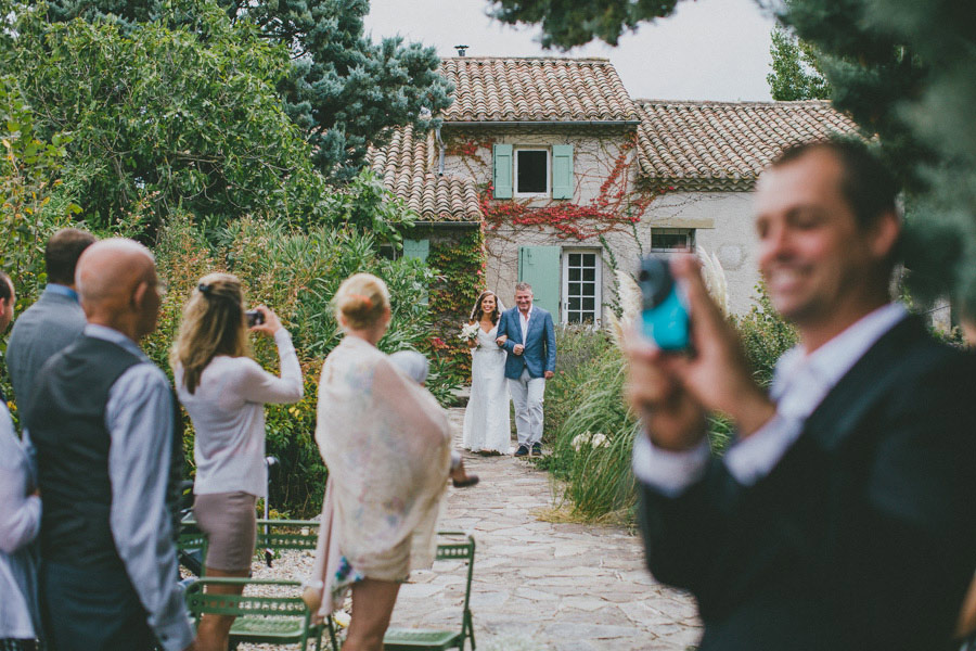 fun french dutch wedding ricardo vieira 04 An Intimate Dutch Australian Wedding in France With Only 28 Guests!