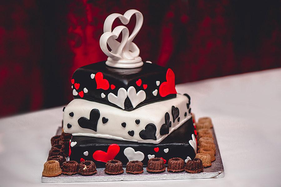 german-wedding-black-red-white-26