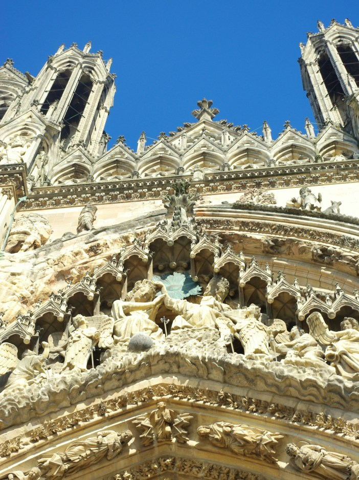 Details of the West front of Reims Cathedral © French Moments