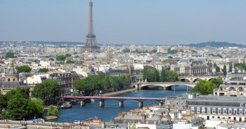 The River Seine in Paris © French Moments