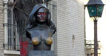 In the footsteps of Dalida in Montmartre © French Moments