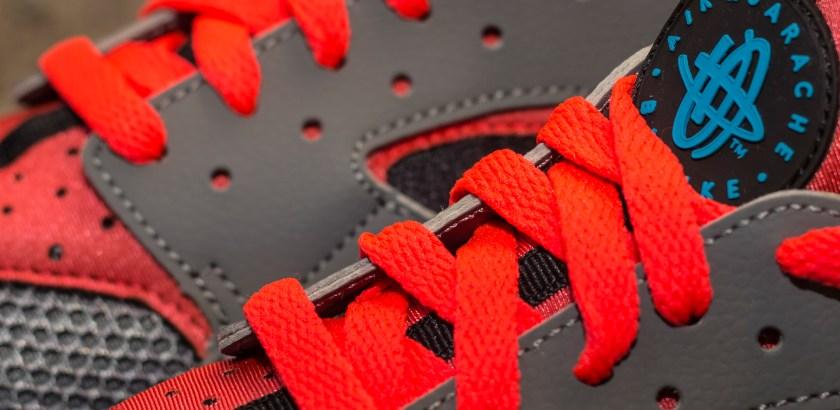 Nike Air Huarache – Gray/ Red