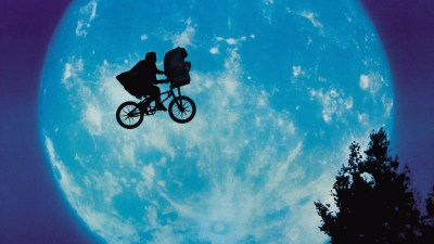 Louis Bluver Outdoor Movies: E.T. the Extraterrestrial – Fringe Arts