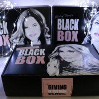 Deckel auf! Die DM BLACK BOX von Vania, Mrs Bella und Maren #GivingIsTheNewBlack