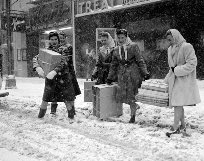 christmas-shopping-1945