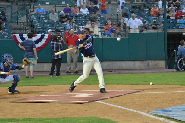 SportsCenter anchor Jay Crawford to part in the Eastern League Home Run Derby. (Photo credit: Scott Blanchette)