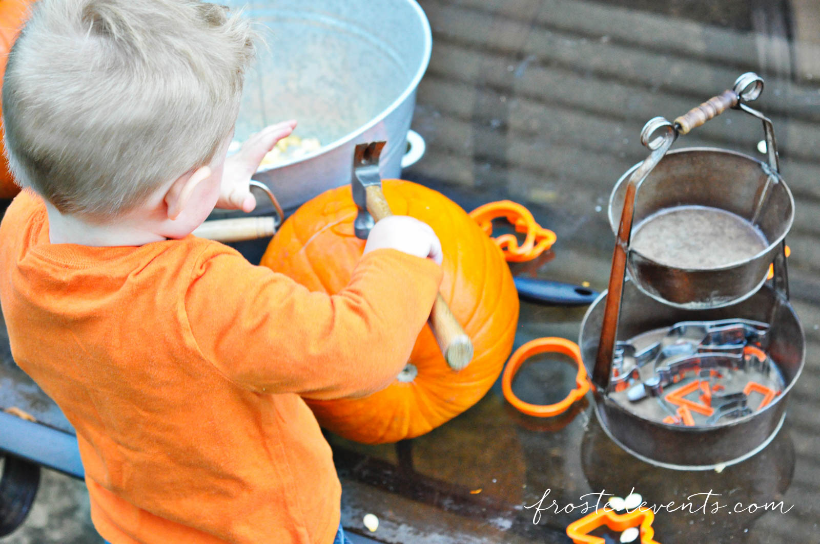 Halloween Craft: Cookie Cutter Games advise