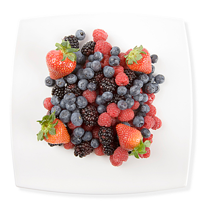 Fresh berries (plate clipping path)