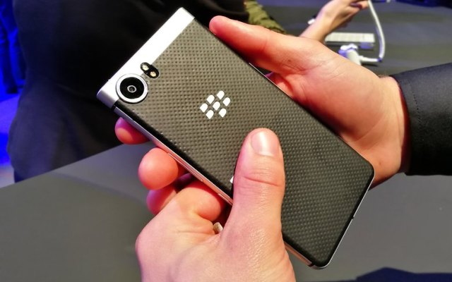 AndroidPIT BlackBerry KEYone back 4
